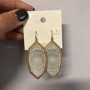 White and Gold Filagree Earrings